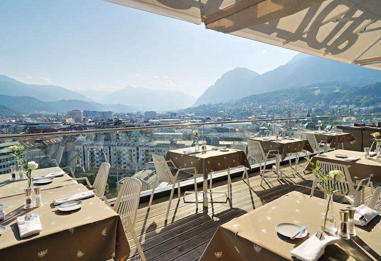 ADLERS Hotel, Innsbruck, Restauration en terrasse