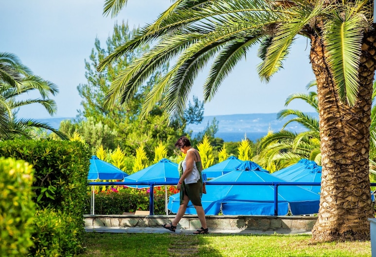 Xenios Port Marina Hotel, Kassandra, Parco della struttura