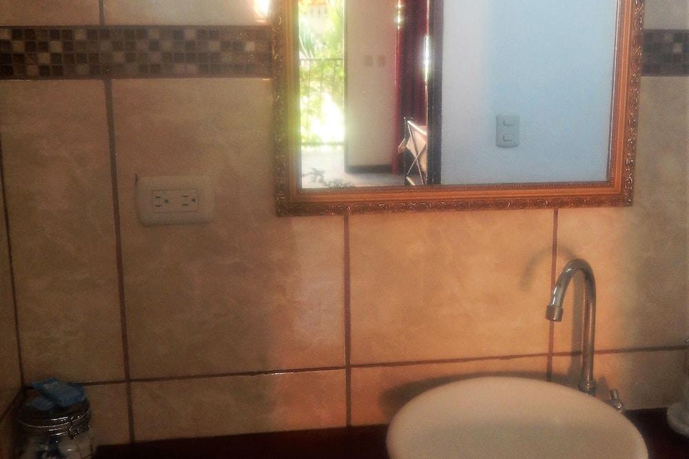 蜜月客房 - 浴室