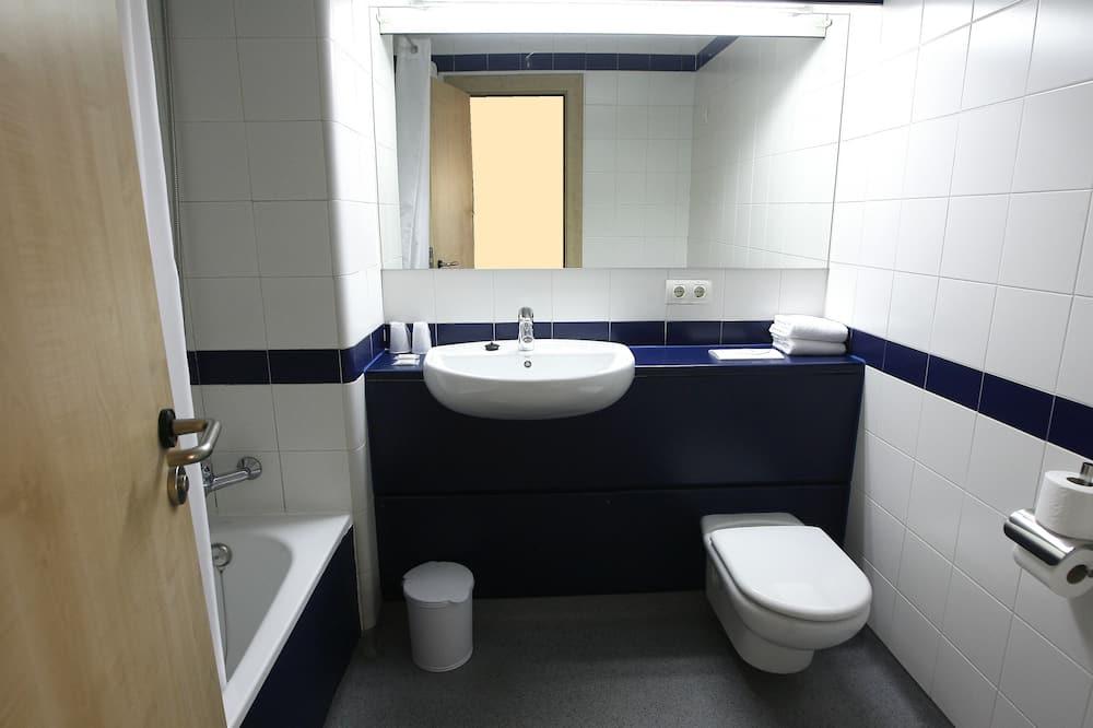 Twin Room (single use) - Bathroom