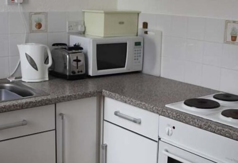 Lawnswood Holiday Apartments, Blackpool, Deluxe Apartment, Ensuite (Serviced 2), Room