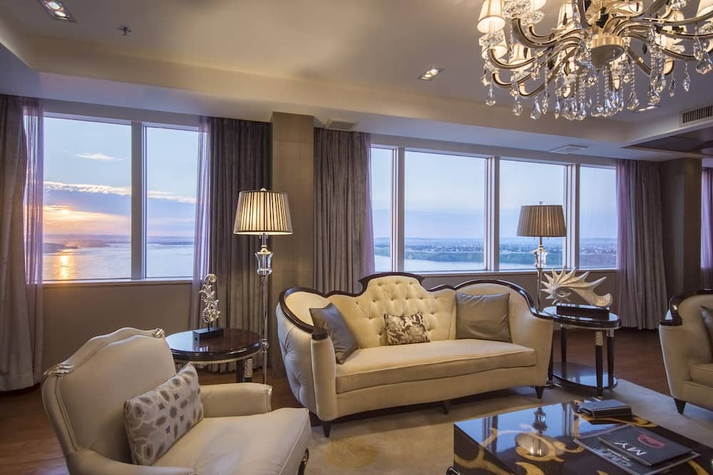 Presidential Suite, 1 Bedroom, River View - Living Area