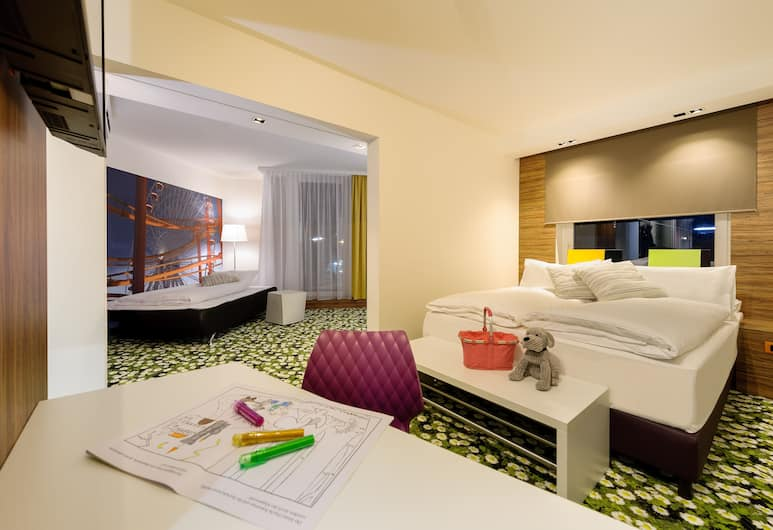 Ibis Styles Wien City, Vienna, Family Suite, Guest Room