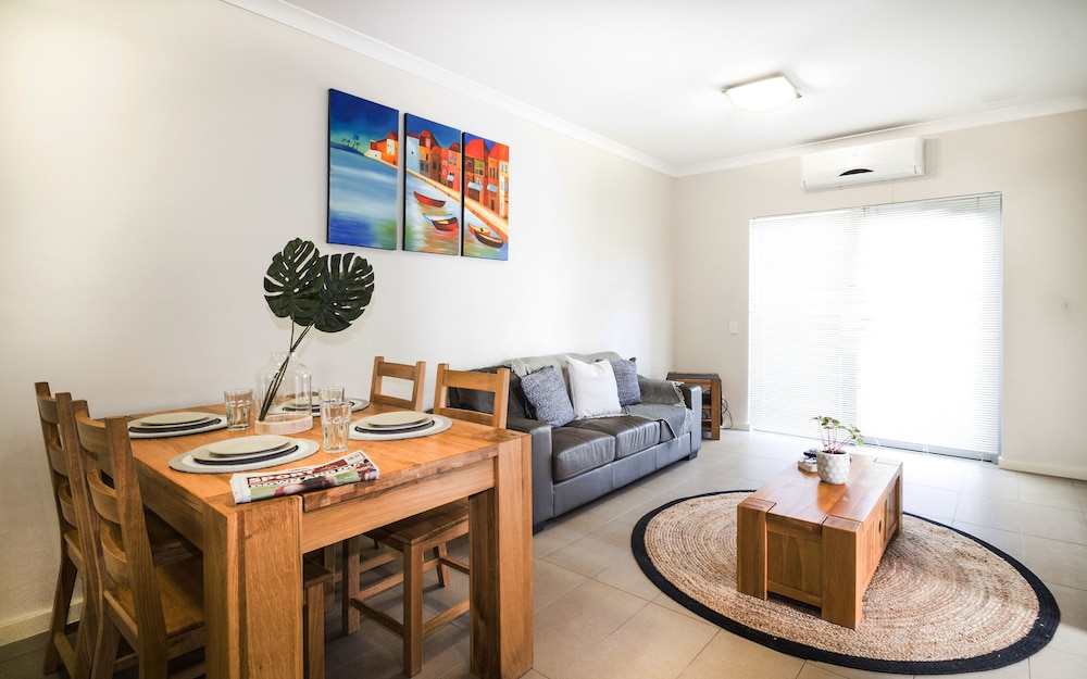 Airport Apartments by Aurum, Redcliffe