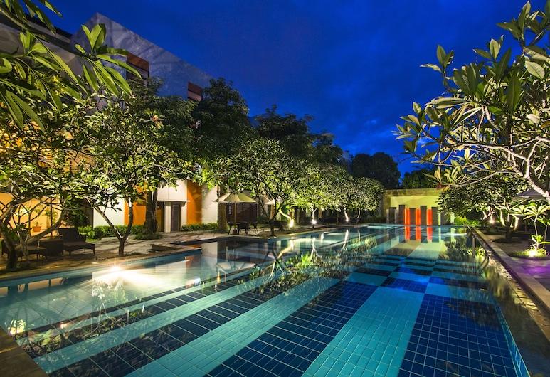 The Victoria Hotel Yogyakarta, Depok, Kolam Terbuka