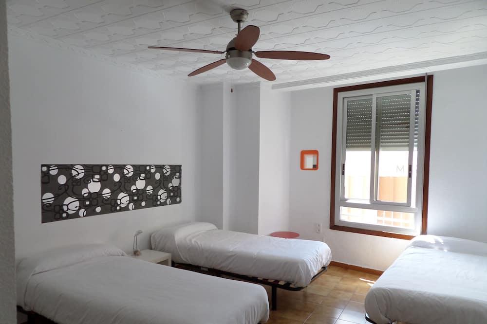 Gemeinsamer Schlafsaal, Nur Männer, Gemeinschaftsbad - Zimmer