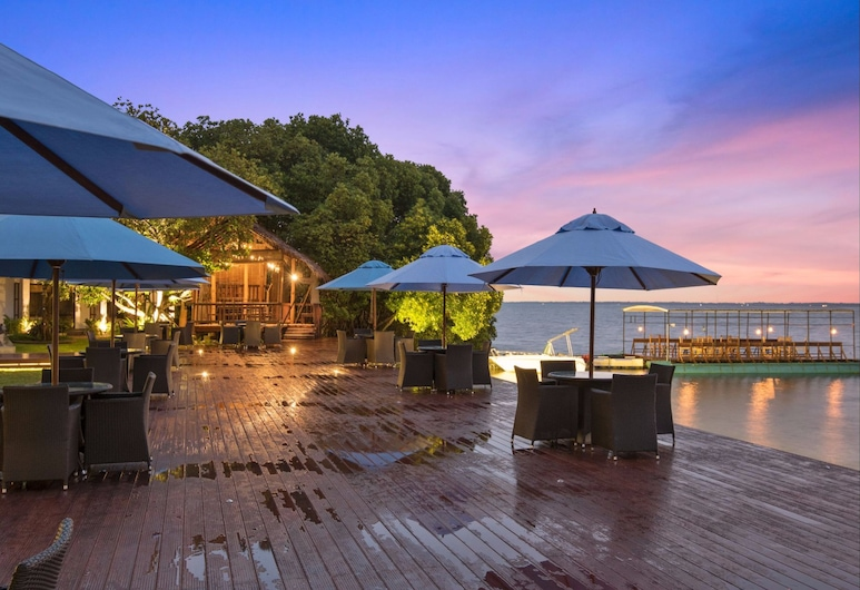 Amagi Aria - Airport Transit Hotel - Negombo, Negombo, Terrace/Patio
