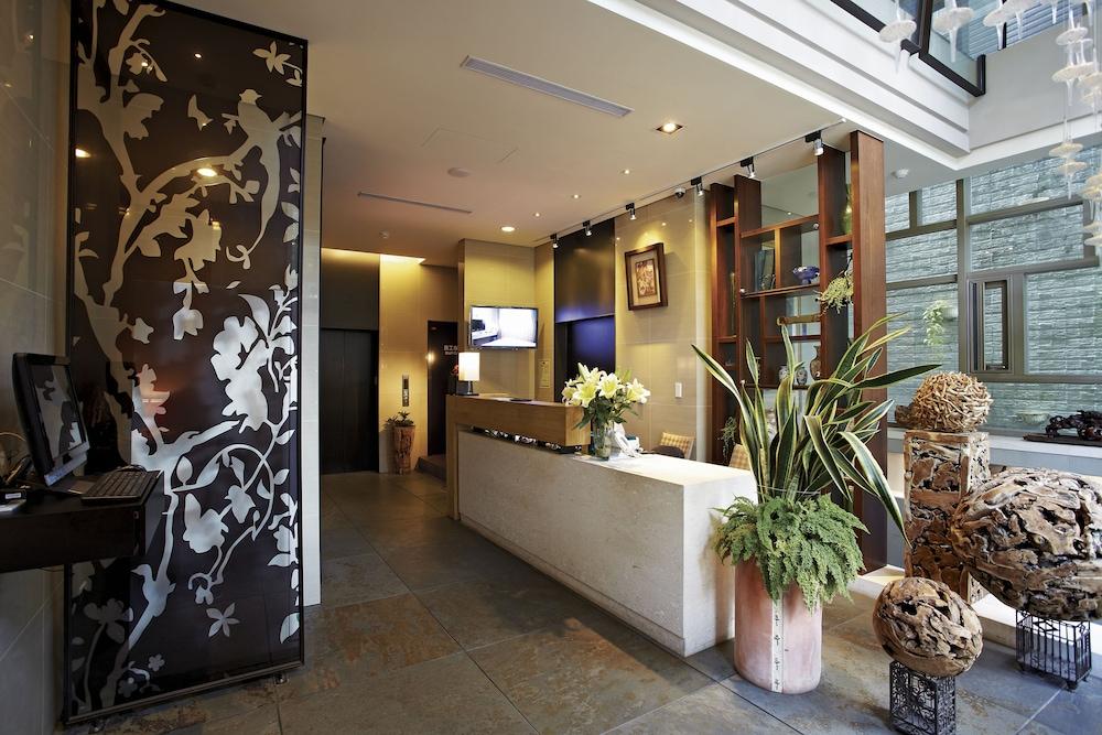 Hotel Mi Casa Taichung Interior Entrance