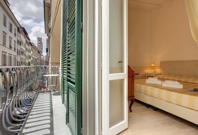Windows on Florence, Florence