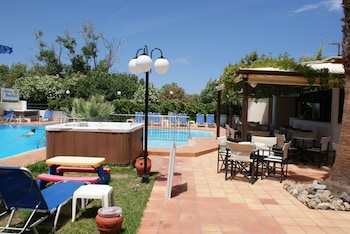 Picture of Sunny Suites in Platanias
