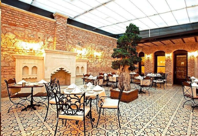 Celine Hotel, Istanbul, Restaurant