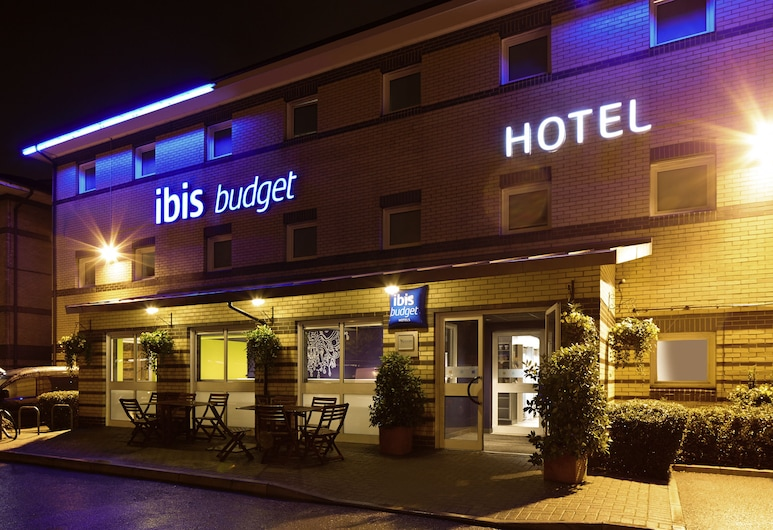 ibis budget London Barking, Barking, Hotel Entrance