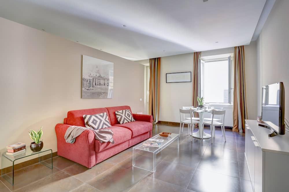 شقة - غرفتا نوم - بحمامين - منطقة المعيشة