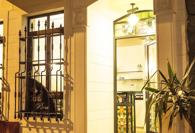 Villa Pera Suite Hotel, Istanbul, Vườn