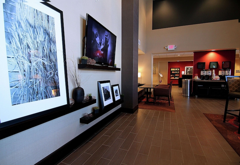 Hampton Inn & Suites Grand Forks, ND, Grand Forks, Lobby