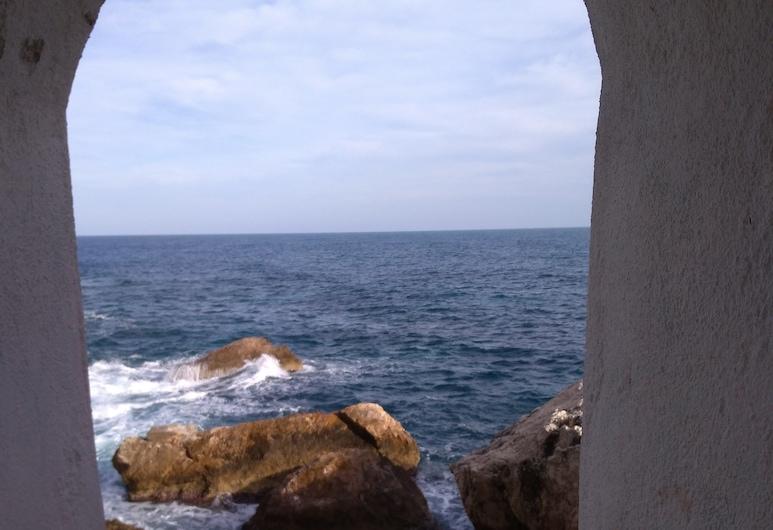 Villa Azur, Cap d'Ail, Pantai