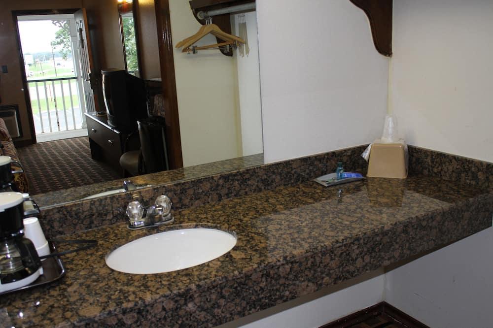 Phòng Tiêu chuẩn, 1 giường cỡ king, Hút thuốc - Chậu rửa trong phòng tắm