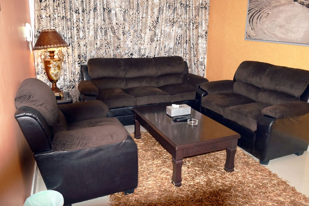 Executive Suite, 2 Bedrooms, Kitchenette - Living Area