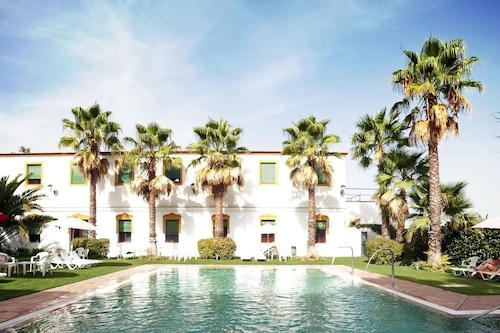 拉博索浴場飯店/