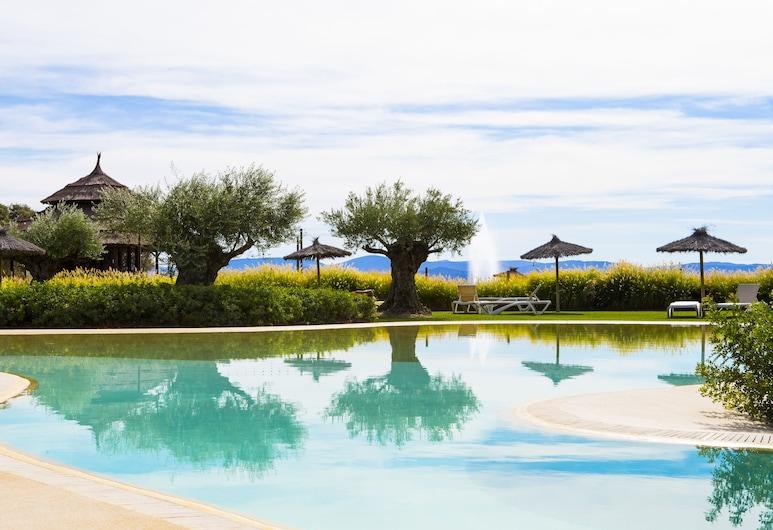 Vincci Valdecañas Golf, El Gordo, Kolam