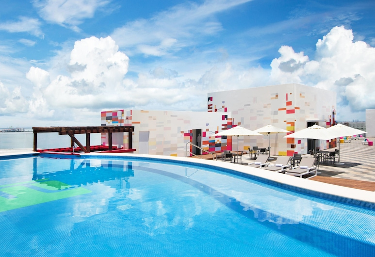 Aloft Cancun, Cancún, Piscina
