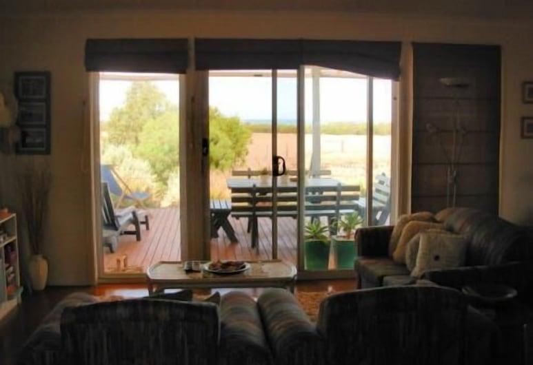 Linger Longer Accommodation SA, Hayborough, Cottage (Franginpani), Ruang Tamu