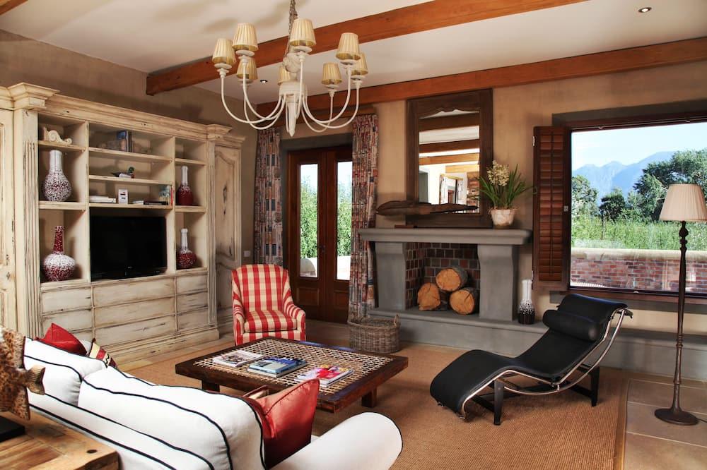 Exclusive Villa (7) - Living Area