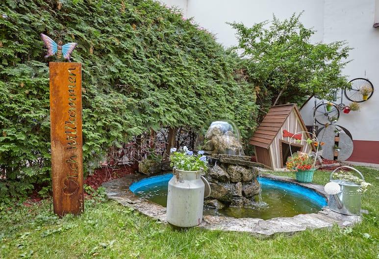 Hotel Praterstern, Vienna, Garden