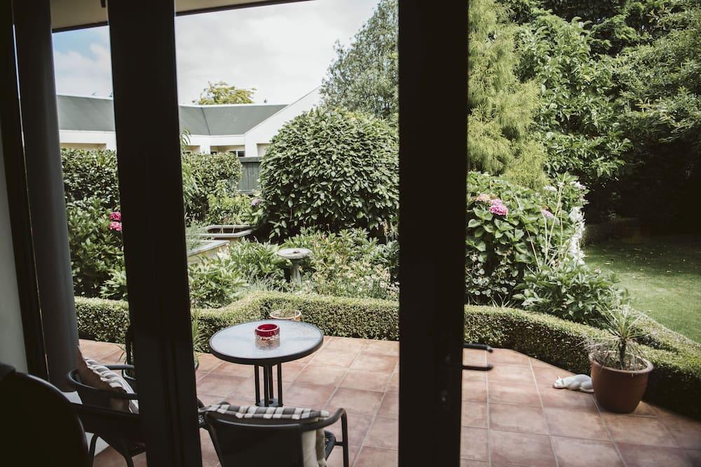 The Oak Suite - Balcony View