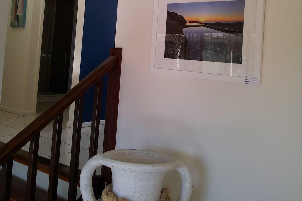 Art on Hart - Living Area