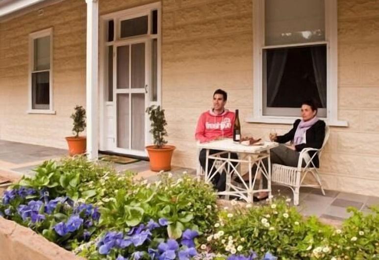 Brown's House Bed and Breakfast, Boconnoc Park, Otelin ön cephesi