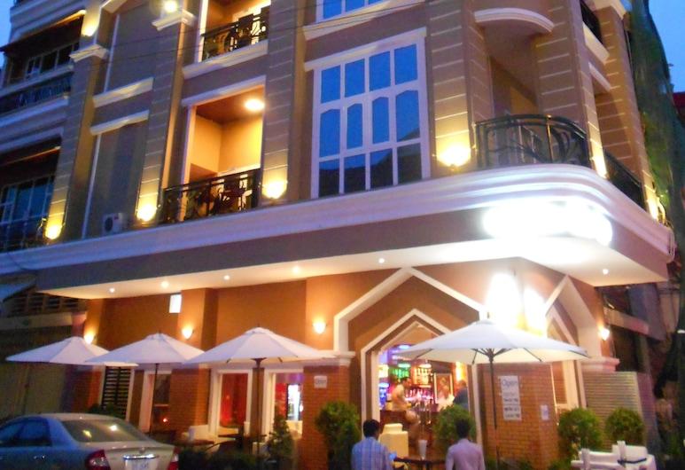 Pillar Hotel, Phnom Penh