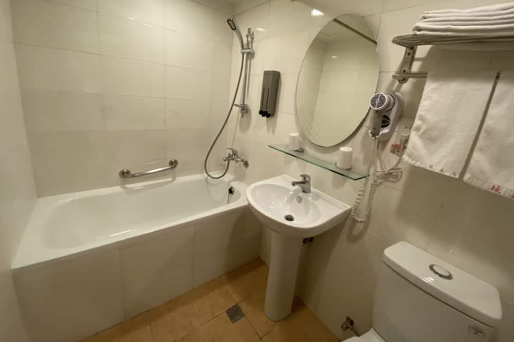 Trojlôžková izba - Kúpeľňa