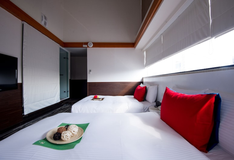 ECFA ホテル クンミン (愛客發酒店昆明館), 台北, 4 人部屋, 部屋