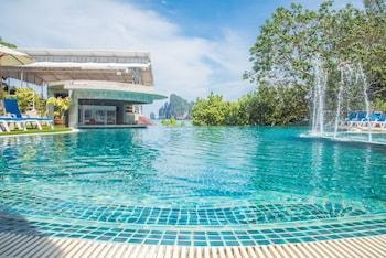 Picture of PP Charlie Beach Resort in Ko Phi Phi