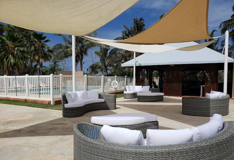 Combate Beach Resort, Cabo Rojo, Patio