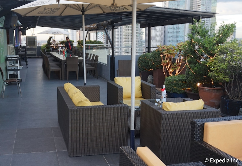 Ace Hotel & Suites, Pasig, Bar do Hotel