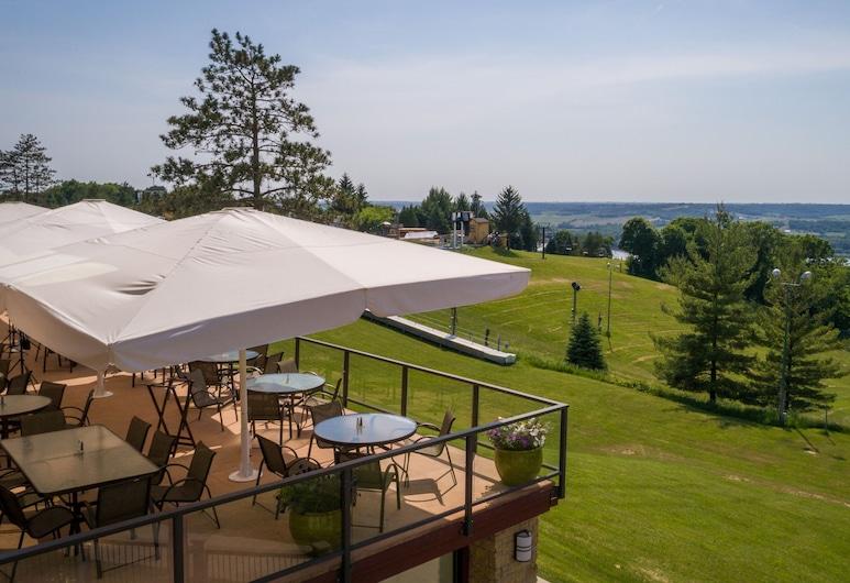 Chestnut Mountain Resort, Galena, Tempat Makan Luar
