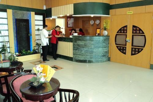 甲萬那端崇光酒店/