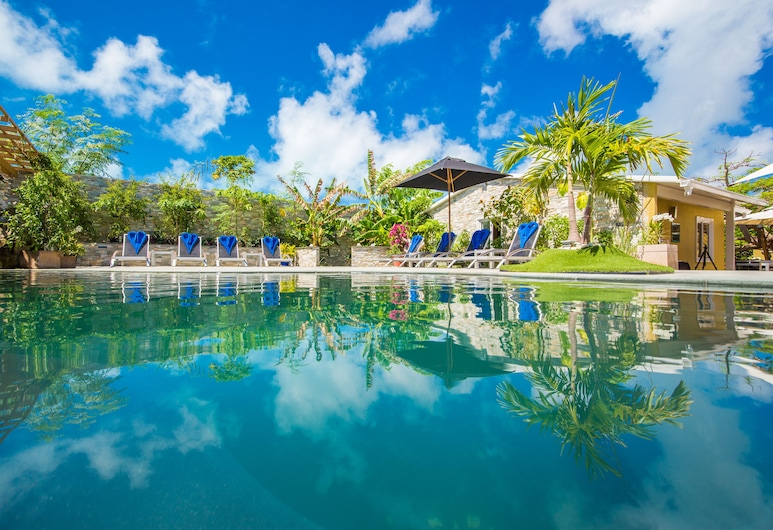 Kokomo Botanical Resort with Butler Service, Providenciales-sziget, Medence