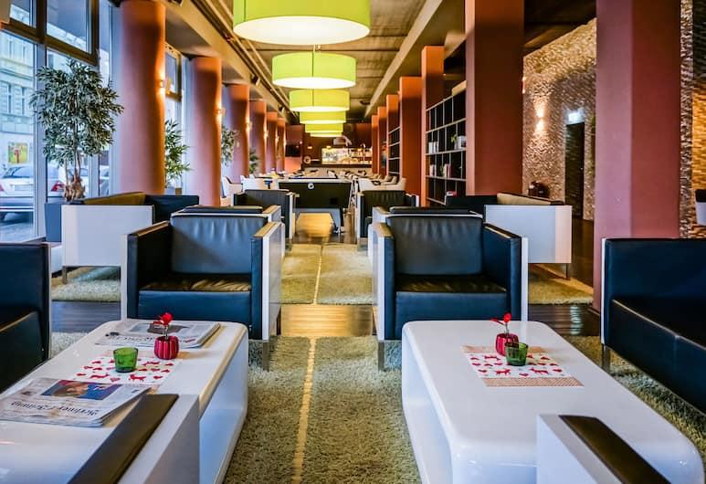 Smart Stay Hotel Berlin City - Hostel, Berlin, Sitzecke in der Lobby