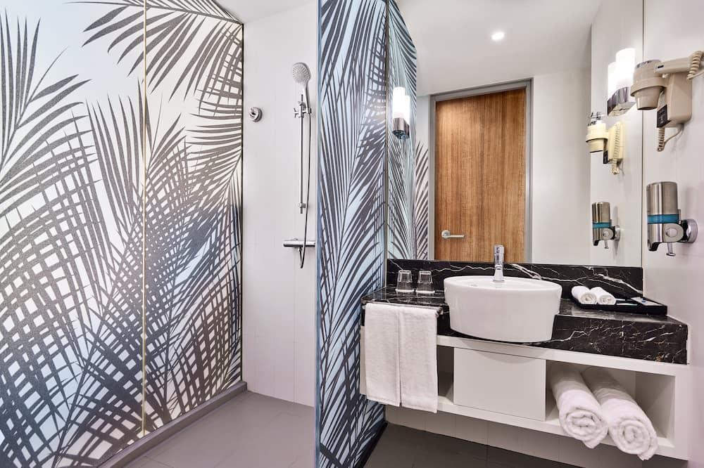 客房, 1 張加大雙人床及 1 張梳化床, 非吸煙房 - 浴室