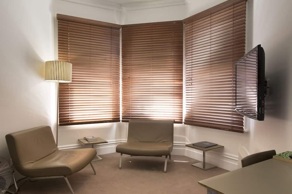 Phòng Tiêu chuẩn, Không hút thuốc, Bếp nhỏ (King Suite) - Khu phòng khách