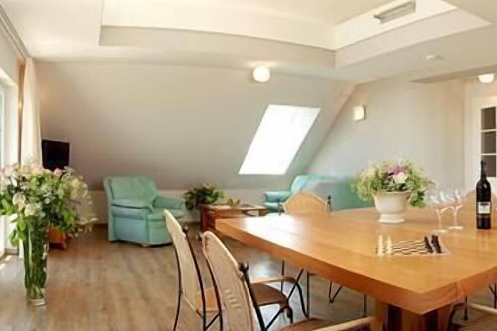 Apartment, 3Schlafzimmer (Landhof) - Essbereich im Zimmer
