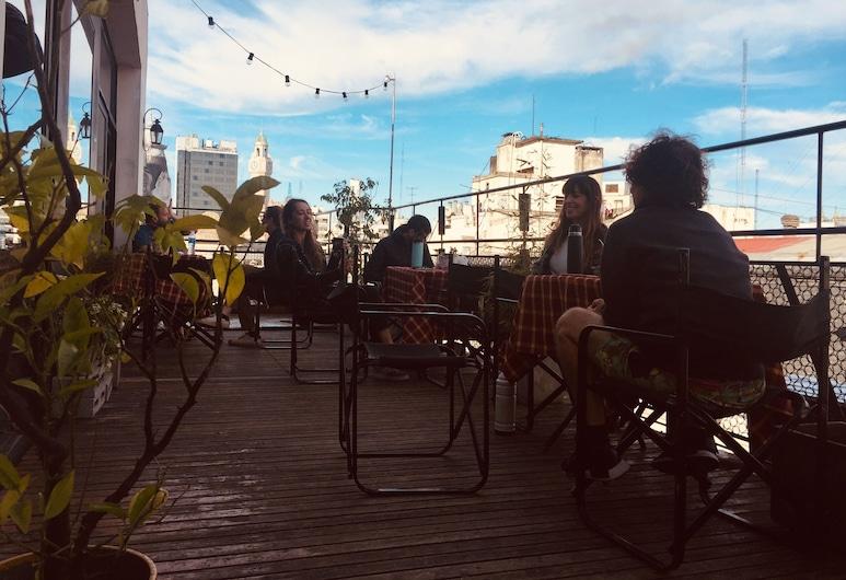 Portal Del Sur, Buenos Aires, Teres/Laman Dalam