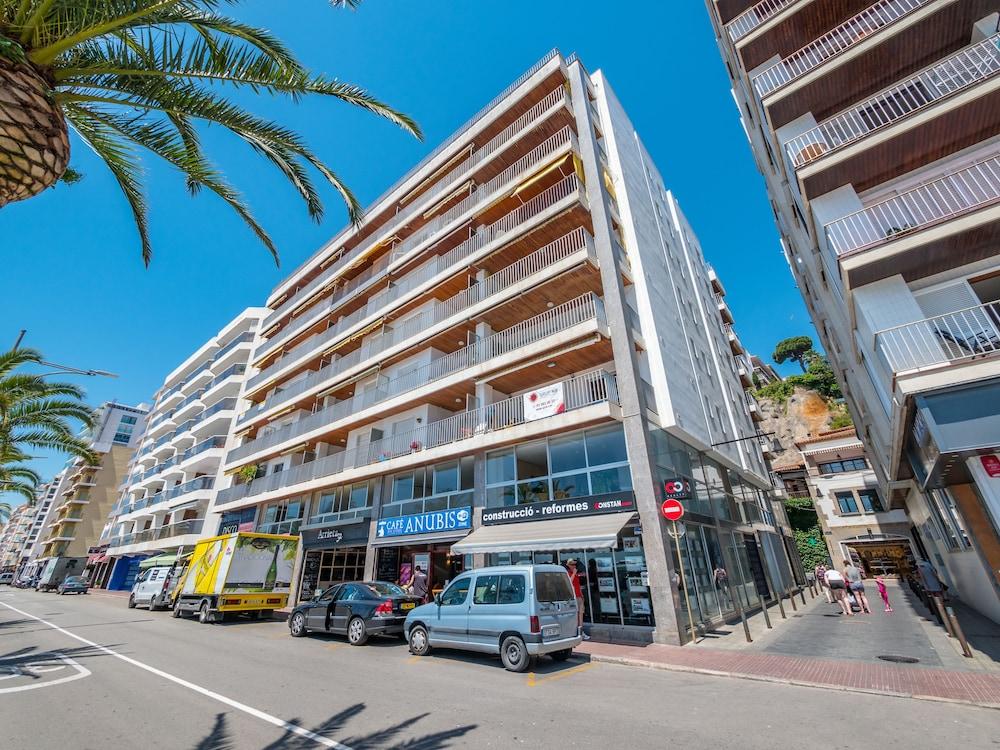 Apartaments AR Borodin, Lloret de Mar