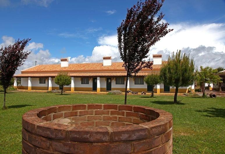 Herdade Naveterra Rural Lodge & Spa, Alandroal, Taman