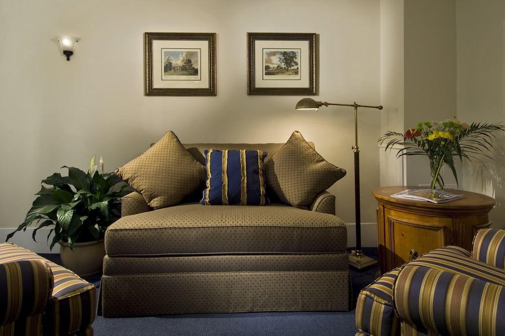 Junior Suite, Garden View - Living Area
