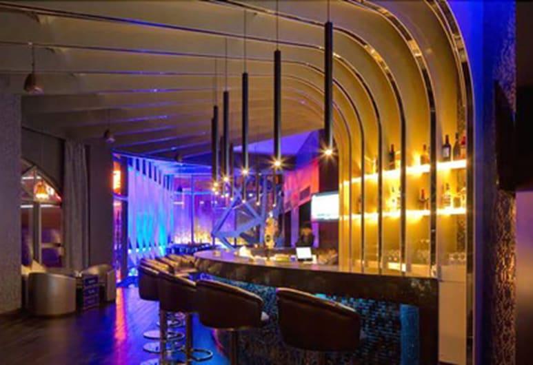 Joyc Hotel, Ντονγκουάν, Αίθουσα καραόκε