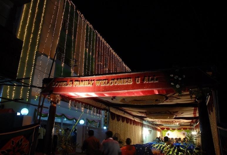 Lotels Hotel, Chennai, Pohľad na hotel – večer/v noci
